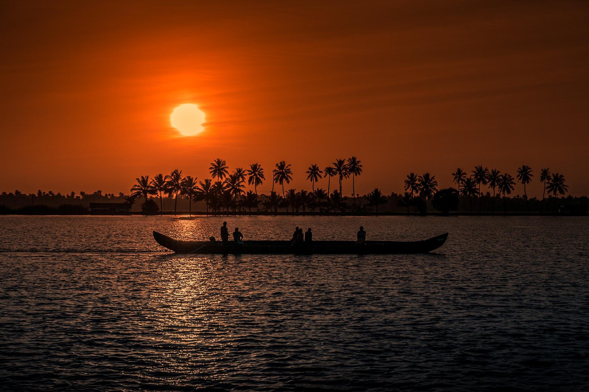 Travel to Kerala from Surat - Gujarat